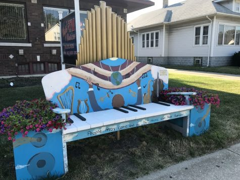 "Hillcrest Art Society Earns Award in Tinley Park ""Benches on the Avenue"""